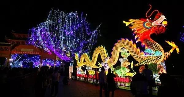 西湖花灯博览会已连续举办十届,去西湖逛花灯博览会,已成为惠州市民图片